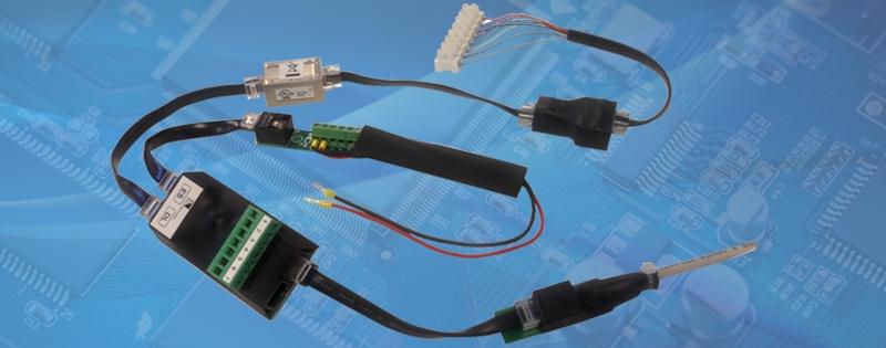 Accessori per il controllo delle porte e sistemi di connessione